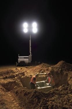 特雷克斯吉尼AL4拖车式灯塔