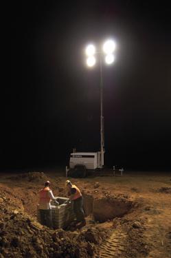 特雷克斯吉尼AL5拖车式灯塔