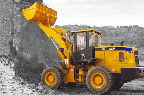 山工SEM636B轮式装载机