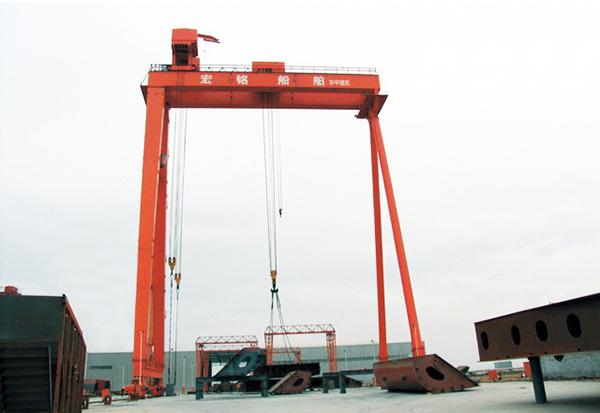 华中建机MUhz造船专用龙门吊高清图 - 外观