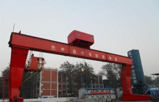 华中建机L型龙门吊