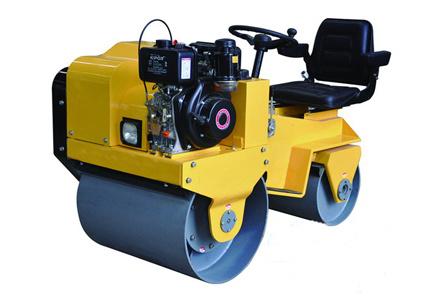 隆瑞機械LRY850C小型座駕式壓路機