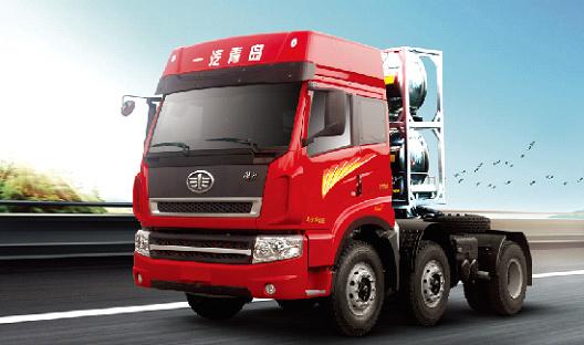 青岛解放新大威 LNG 6×2牵引车(轻量化)