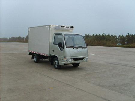 东风HFC5020XLCPW4E1B1D冷藏车