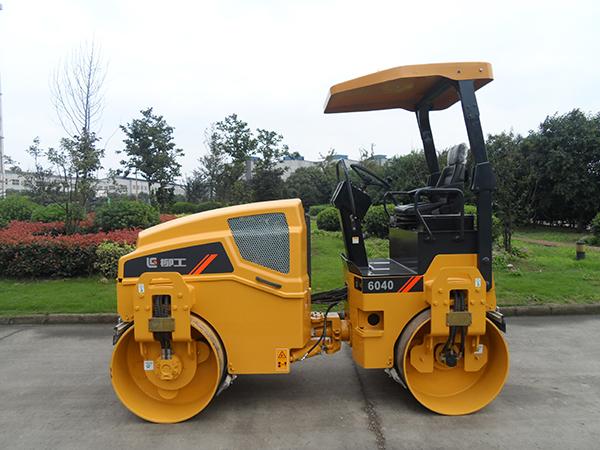 柳工CLG6040小型养护双钢轮压路机高清图 - 外观