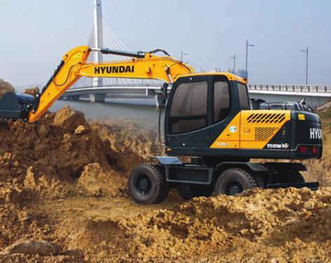 现代R150W VS挖掘机