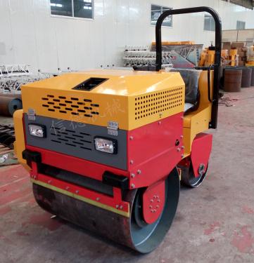 信德机械XDJX-1000B驾驶振动压路机
