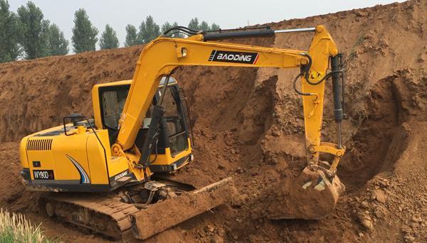 宝鼎BD80小型履带挖掘机