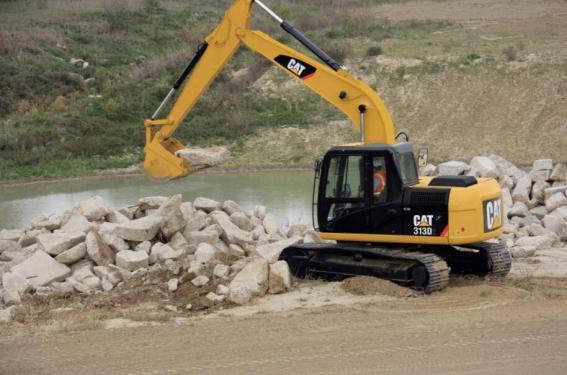 卡特彼勒CAT®313D2小型挖掘机