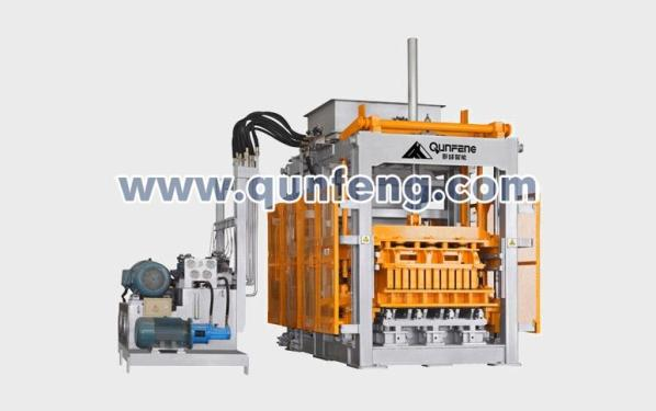 群峰机械QFT18-20混凝土制砖设备
