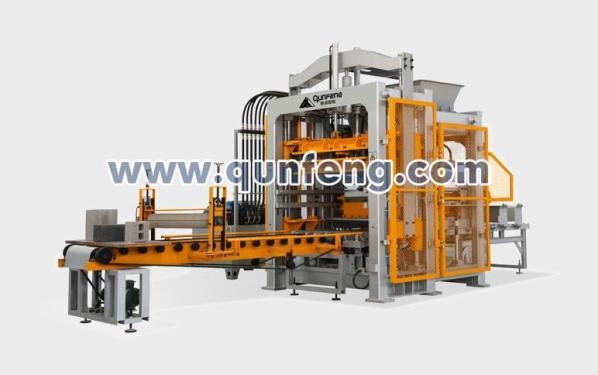 群峰机械QFT5-15水泥砖机