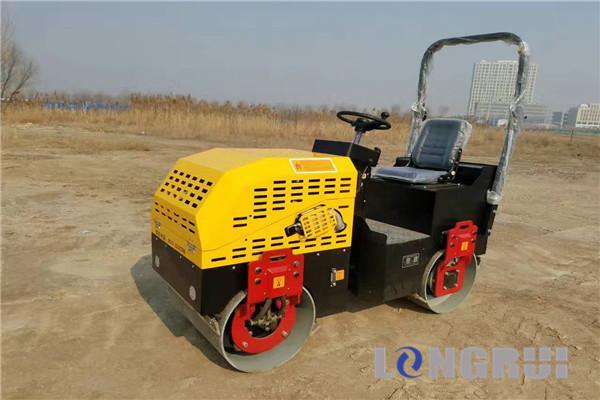 隆瑞机械LRY15双钢轮压路机高清图 - 外观