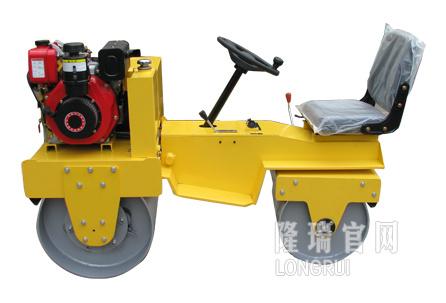 隆瑞機械LRY850座駕壓路機