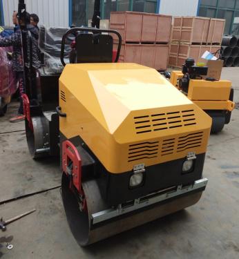 信德机械XD-EV80小型压路机