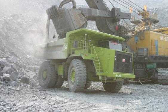 北方股份TR100A机械传动矿用车