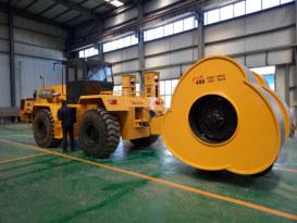 洛阳山岛SD320牵引车+YCT30T冲击轮拖式压路机