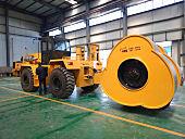 洛陽山島SD320牽引車+YCT30T沖擊輪拖式壓路機