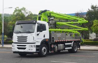中联重科ZLJ5200THBJE两桥32米泵车