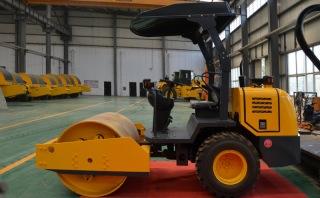 洛阳晟路LSS2033吨单钢轮压路机