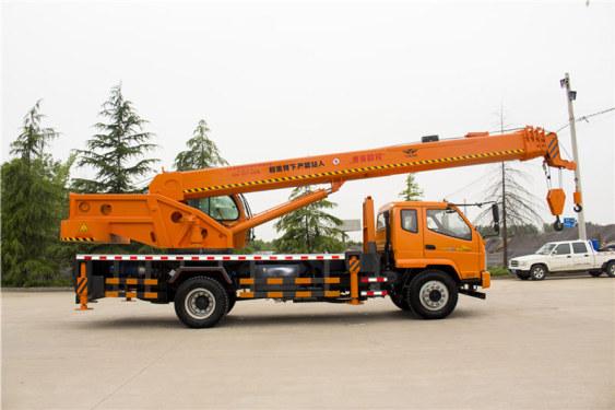 ??档醭?98(16吨)汽车起重机