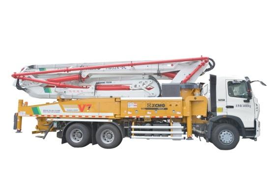 徐工HB52K(重汽)混凝土�泵车
