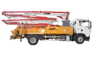徐工HB30K混凝土泵车高清图 - 外观