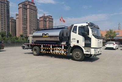河南鼎诚HTN5162GLQ国五排放沥青洒布车