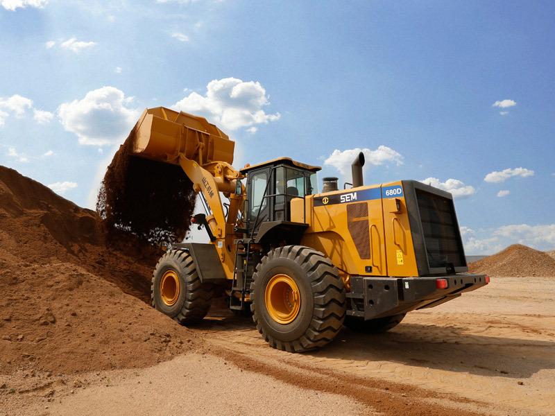 山工机械SEM680D轮式装载机