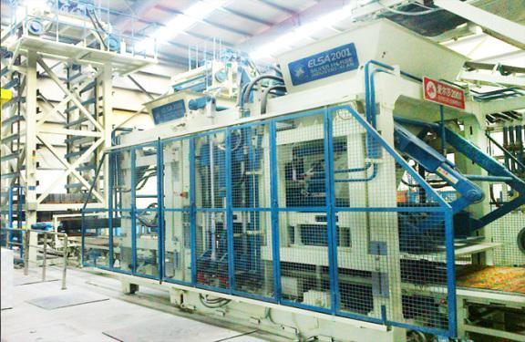 银马砖机爱尔莎2001牌透水砖制砖机
