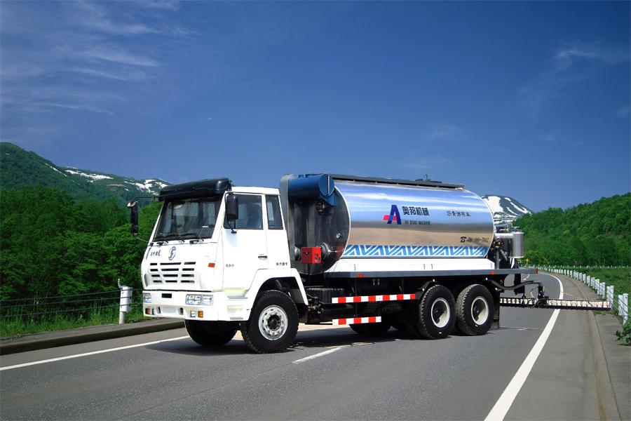 山东奥邦SX5255GLQ型12吨智能沥青洒布车高清图 - 外观