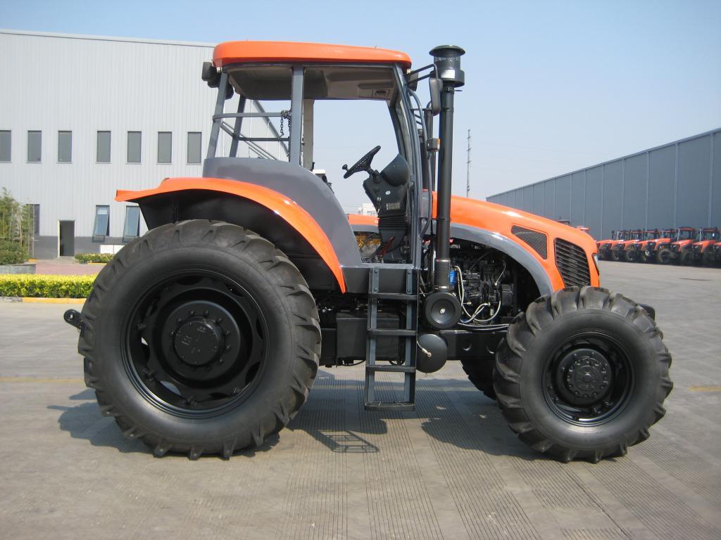 凯尔1204轮式拖拉机高清图 - 外观