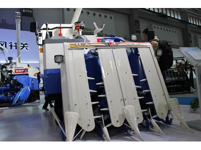 井关HF608G收获机械高清图 - 外观