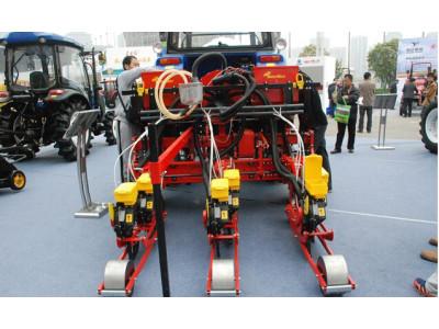 雷沃阿波斯MSO气吸式种植施肥机械