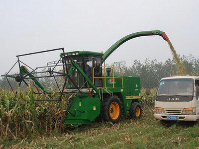 巨明4QS-3000青贮饲料收获机高清图 - 外观