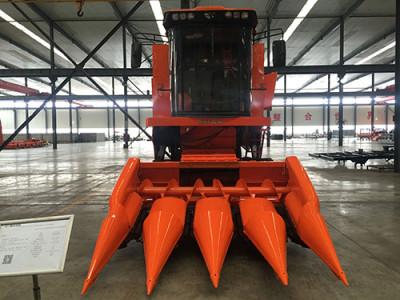 哈克农装4YL-4玉米收获机高清图 - 外观