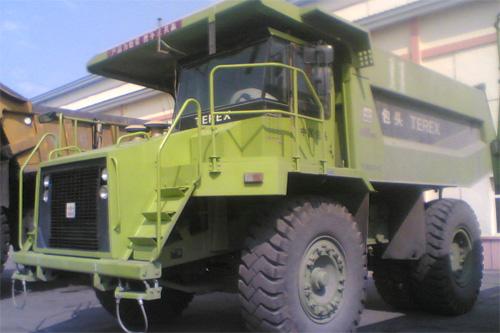 内蒙古北方股份TR35C煤斗型矿用自卸车