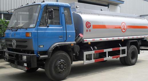 厦工楚胜东风153型12立方油罐车