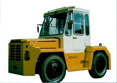 大连叉车QD45牵引车