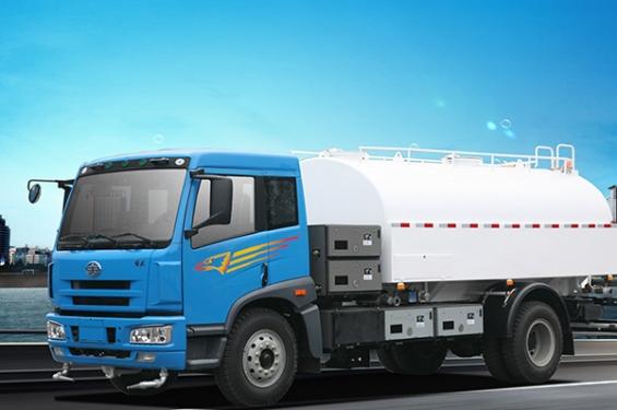 青岛解放SCZ5168GSSBEV纯电动洒水车