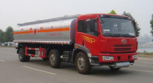湖北合力解放小三轴运油车-CA5250GJYPK2E3L4T3A95