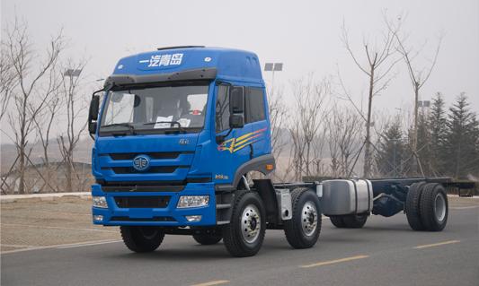 青岛解放J5M LNG 6×2甩厢车(物流专用车)
