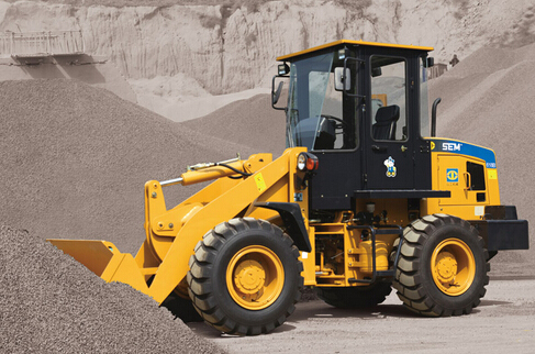 山工SEM618B轮式装载机