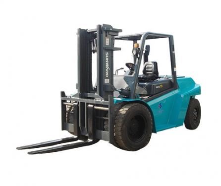山河智能SWFD40内燃平衡重式叉车