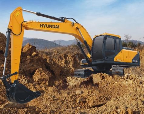 现代R215 VS挖掘机