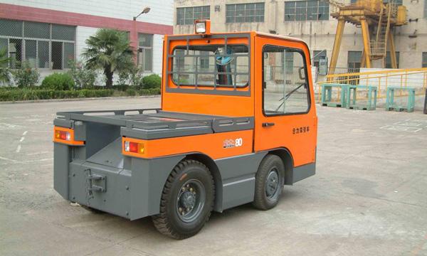 合力QYD80/QYD100/QYD150四支点电动牵引车