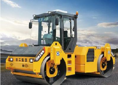 徐工XD122E液压驱动双钢轮振动压路机