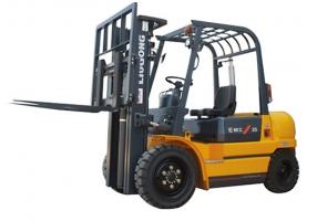 柳工CPCD25内燃平衡重式叉车