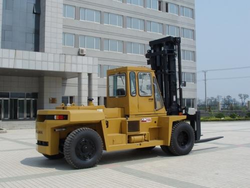 大连叉车15吨轻型内燃平衡重叉车