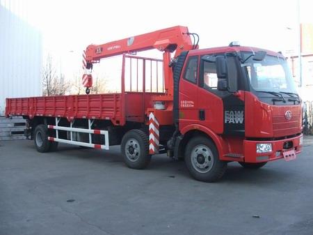 楚飞解放小三轴(8-10吨)-CA5220JSQP62K1L7T3E4随车起重运输车