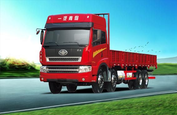 青岛解放新大威 8X4 LNG载货车